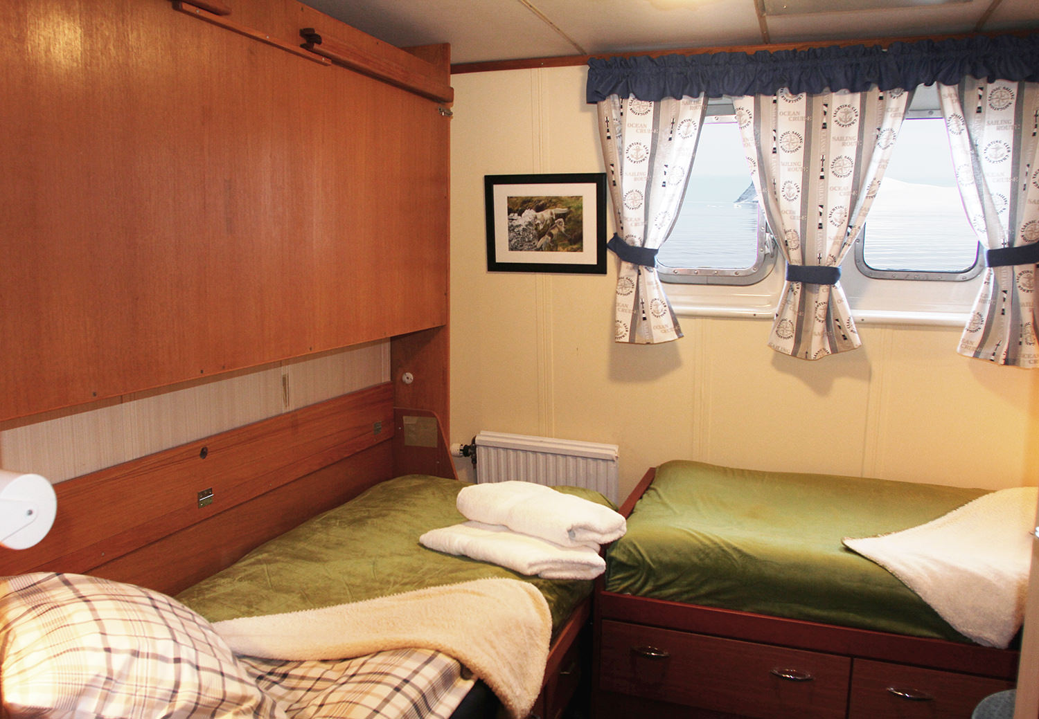 Double shared cabin with private facilities